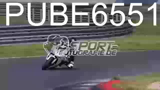 PUBE6551_1  00:05