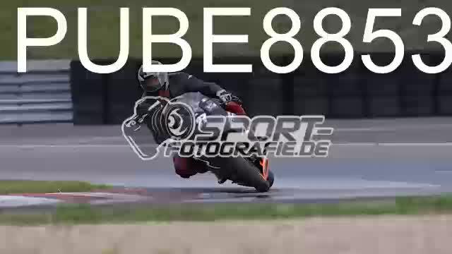 PUBE8853_1  00:09