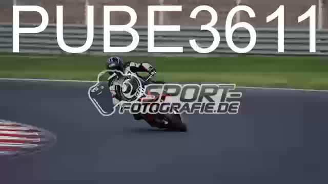 PUBE3611_1  00:05