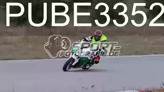 PUBE3352_1  00:16