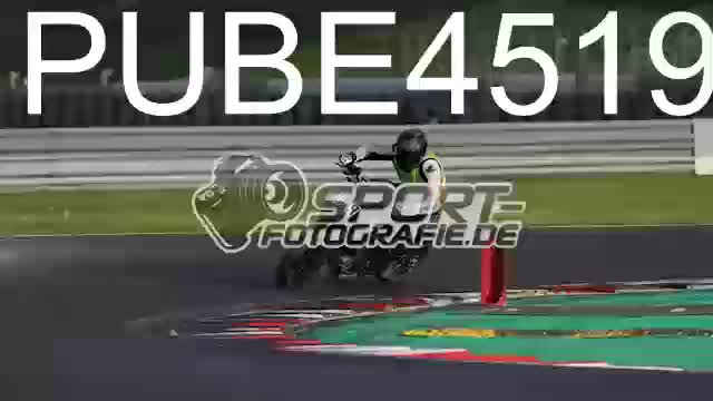 PUBE4519_1  00:10