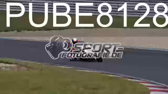PUBE8128_1  00:24