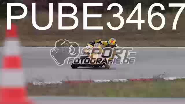 PUBE3467_1  00:09