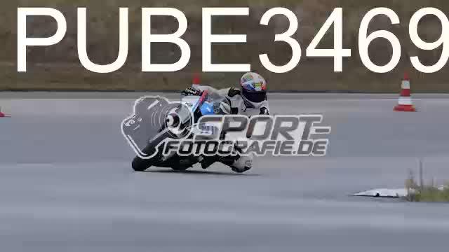 PUBE3469_1  00:05