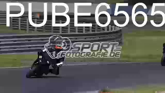PUBE6565_1  00:05