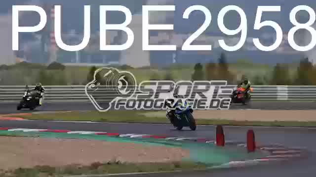 PUBE2958_1  00:10