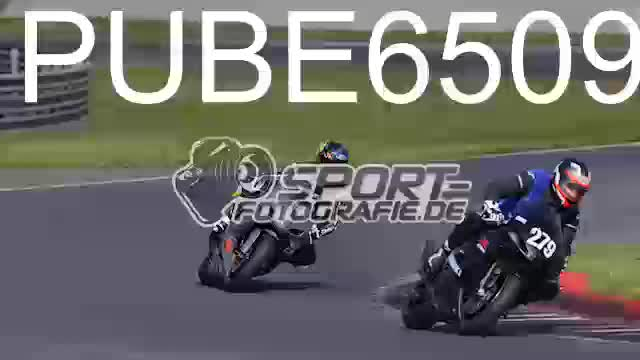 PUBE6509_1  00:05