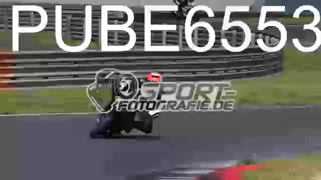 PUBE6553_1  00:05
