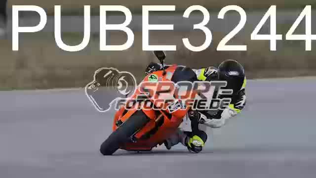 PUBE3244_1  00:05