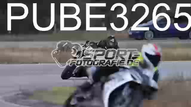 PUBE3265_1  00:09