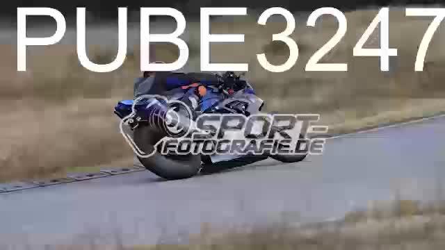 PUBE3247_1  00:06
