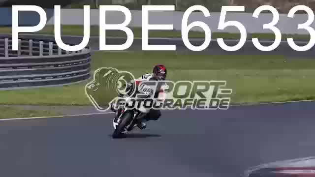 PUBE6533_1  00:06