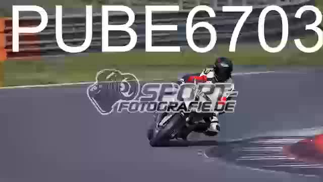 PUBE6703_1  00:04