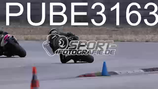 PUBE3163_1  00:05
