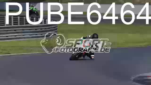 PUBE6464_1  00:05