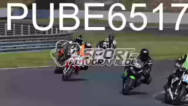 PUBE6517_1  00:05
