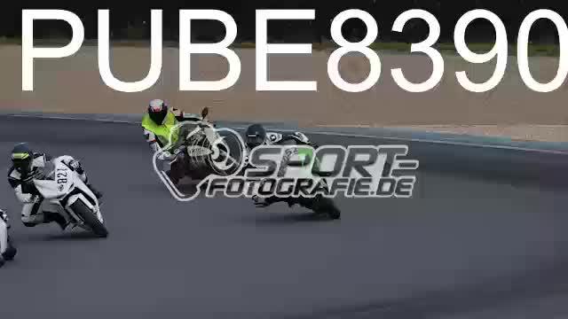 PUBE8390_1  00:06