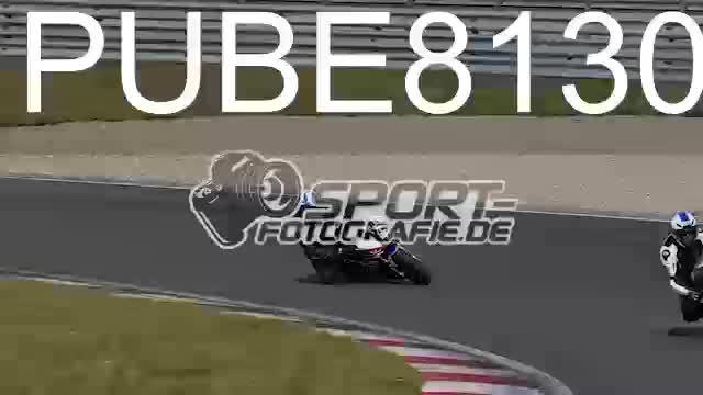 PUBE8130_1  00:14