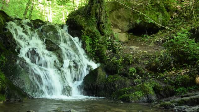 Wasserfall Video Clip  00:28 | Wasserfall an der Elfengrotte in Bad Bertrich