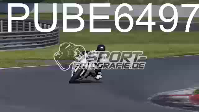 PUBE6497_1  00:04
