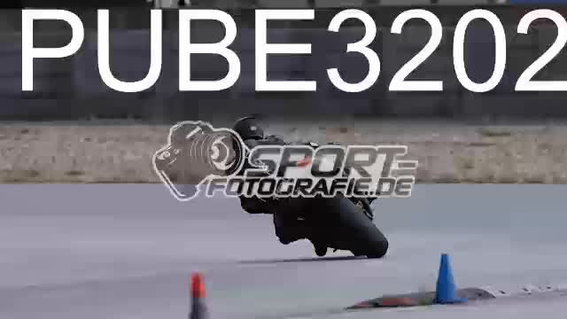 PUBE3202_1  00:05
